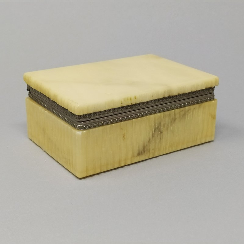 Beautiful Vintage Alabaster Beige Box Made in Italy 1960s