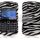 White/Black Hard Design 2-Pc Snap On Faceplate Case for BlackBerry Bold 9700