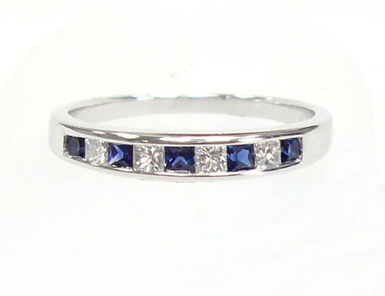 18K White Gold 0.21cts. Diamond & 0.29cts. Blue Sapphire Diamond Wedding Band