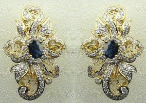 18K Yellow Gold 1.80cts. Diamond & 1.22 cts. Blue Sapphire Earring