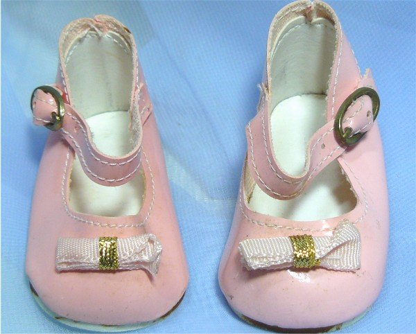 Doll Shoes in Pretty Pink Patent:  Sz 6 or 7? Mary Janes, Need Some Perking Up