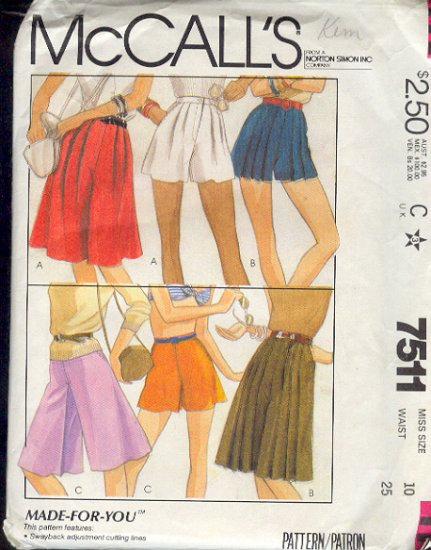 McCall's Sewing Pattern 7511 Culottes and Shorts, Size 10
