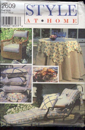 Style Sewing Pattern 2609 Cushions, Pillows, Table Cloth (2) & bread holder, One Size