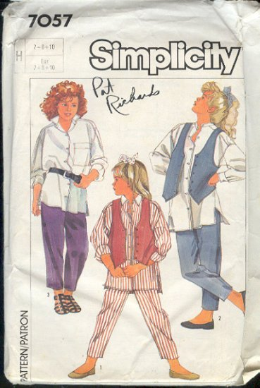 Simplicity Sewingi Pattern  7057 Girl's Big hirt, Vest and Pants, Size 7 8 10