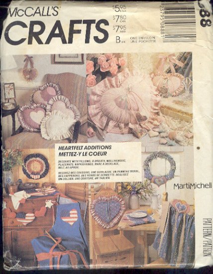 McCall's Sewing Pattern 888, Pillows, Wall hanging, mats, necklace, belt and apron, One size