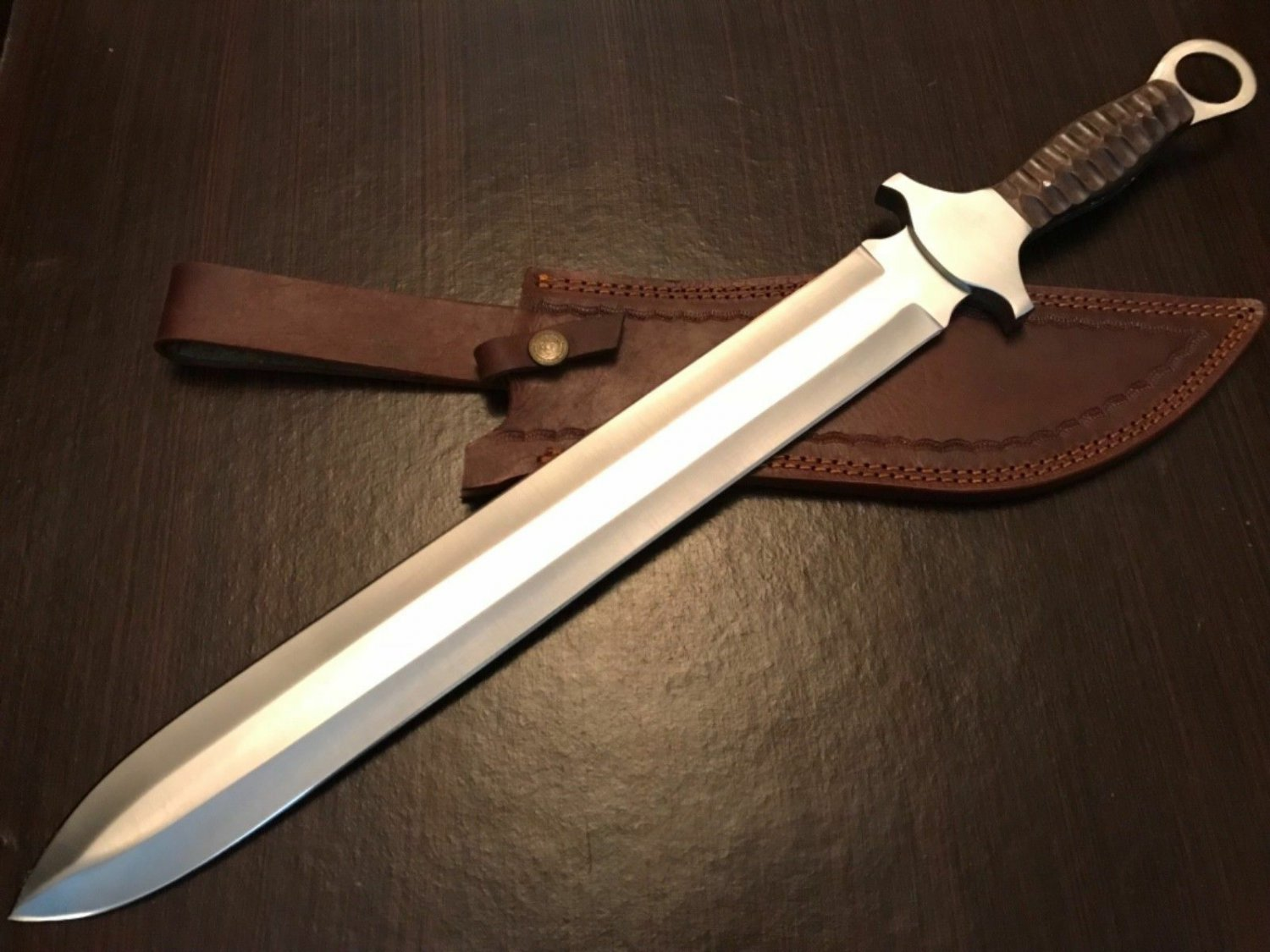 Hand forged custom made D2 tool steel hunting dagger knife