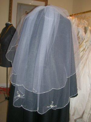 Bridal veil 202 White