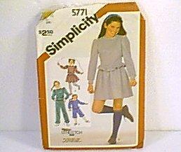 Stretch Knit Pants Knickers Mini Skirt Pulloever Tops  Simplicity Sewing Pattern 5771 Sz Sm 7 Uncut