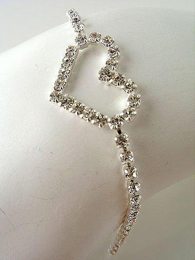 """17mm Heart Rhinestone Bracelet 8"""""""