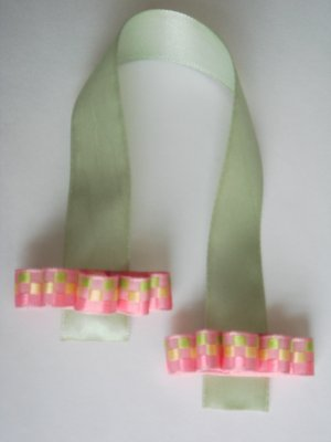 CANDY - Green Ribbon Bookmark with Pink Bow Embelishment