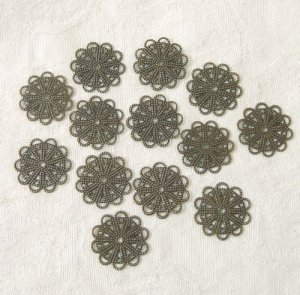30 PC of Antiqued Bronze Stamping Flower Jewelry Finding Free Shipping