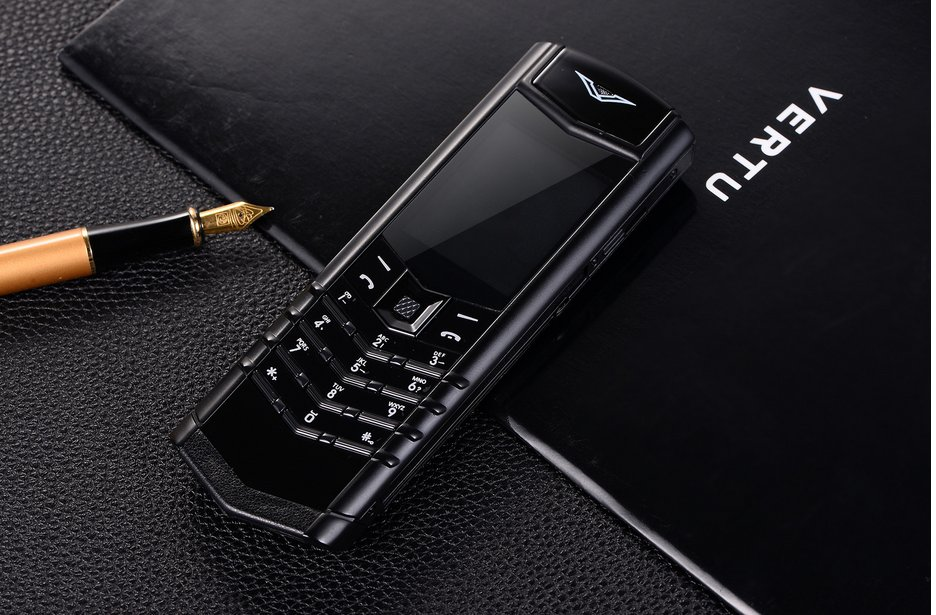 Vertu V10 unlocked, a luxury mobile phone cellhpone, valuable for collection,safety use -color:black