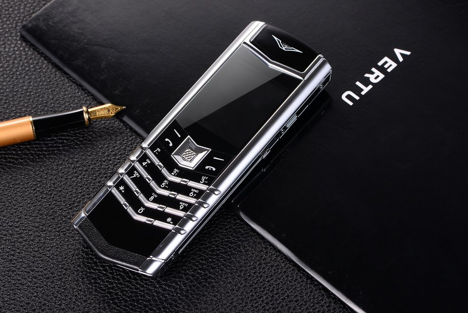 Vertu V10 unlocked, a luxury mobile phone cellhpone, valuable for collection,safety use -color:white