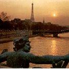 EIFFEL TOWER & SEINE RIVER AT SUNSET PARIS FRANCE COLOR PICTURE POSTCARD #382 UNUSED