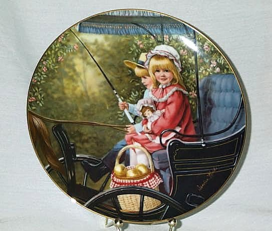 COLLECTOR PLATE THE SURREY RIDE BY SANDRA KUCK #8 in DAYS GONE BY PLATE COLLECTION NEW IN BOX 1984