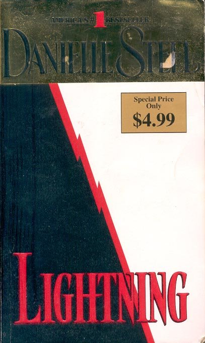 LIGHTNING by DANIELLE STEEL 2006  PAPERBACK BOOK NEAR MINT