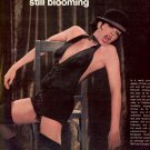 1972 SHOW BIZ - LIZ AND LIZA MINNELLI BLOSSOMING & STILL BLOOMING MAGAZINE AD (410)