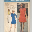 SIMPLICITY PATTERN # 6756 JR PETITE DRESS SKIRT & TOP IN STRETCH KNITS SIZE 7-9 CUT 1974 VINTAGE