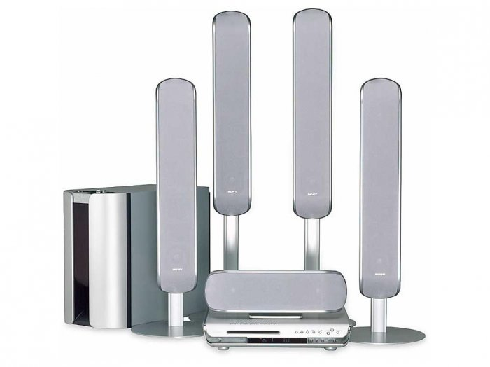 Sony DAVFC9 - 1000 Watts - 5 Disc DVD-SACD Dream Home Theater System with 4 Tower Speakers