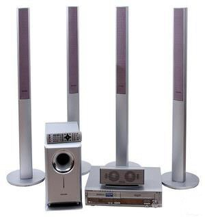 Panasonic SCHT822 600 Watts DVD+VCR Home Theater System With Tower Speakers