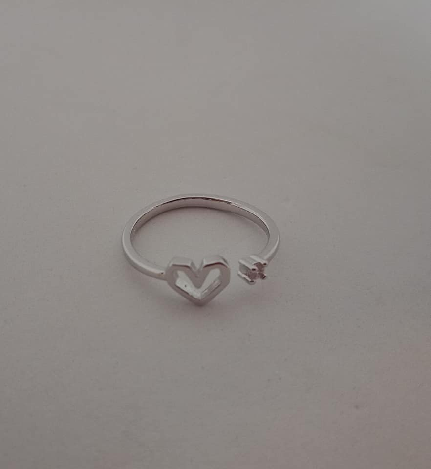 925 sterling silver adjustable ring with heart and clear zircon