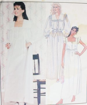 McCall 9437 sewing pattern robe nightgown size small 10 to 12 UNCUT