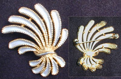 St. Labre vintage pin gold tone and white enamel spray brooch jewelry