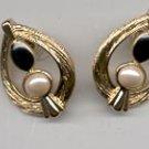 Avon  Classic Contrast Pierced Earrings