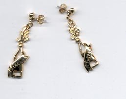 Avon  Toast to New Year's pierced Earrings