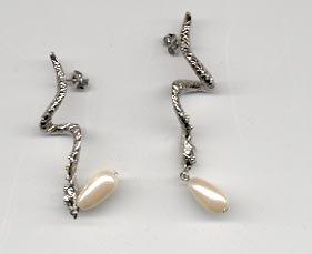 Avon Enchanted Evening Earrings- silvertone