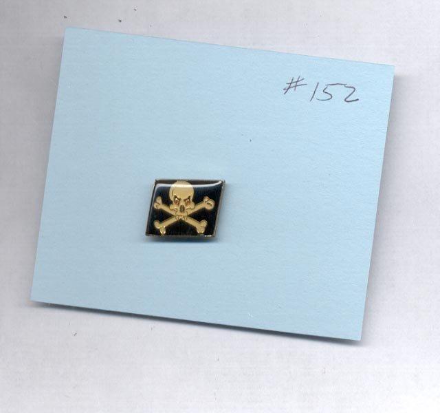 Skull with Cross Bones  hat (lapel) pin (#152)