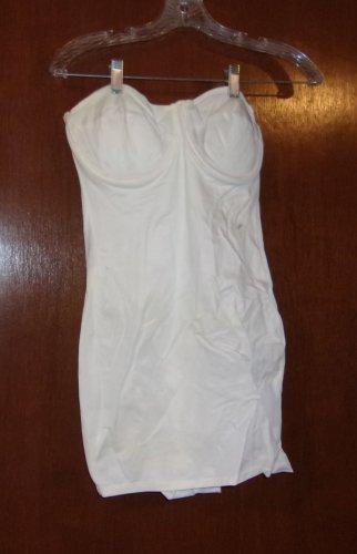 White underwire  Briefer slip strapless   Size 38
