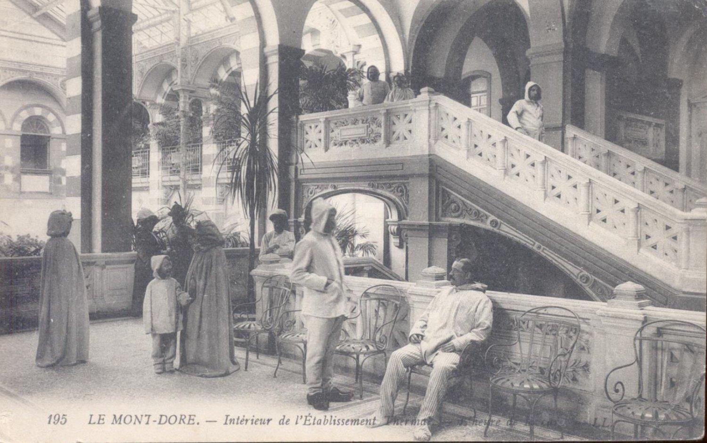 Le Mont- Dore. Interieur de L 'Etablissement  Postcard  (#146)