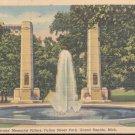 World War Veterans Memorial Pillars Fulton Street Park, Mich.   Postcard  (#320)