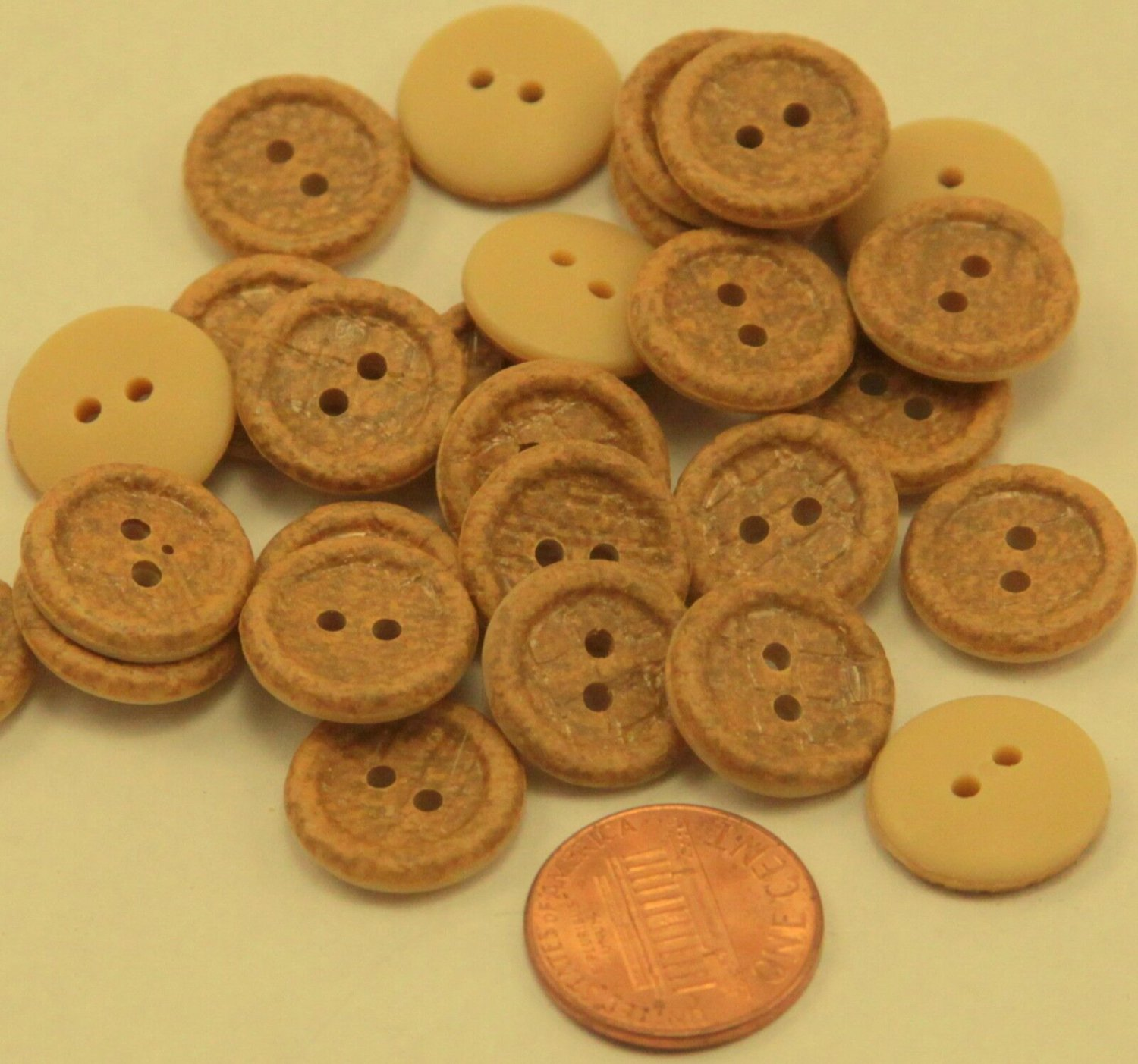 """Lot of 24 Golden Tan Faux Snake Skin Plastic Buttons 5/8"""" 16mm # 6696"""