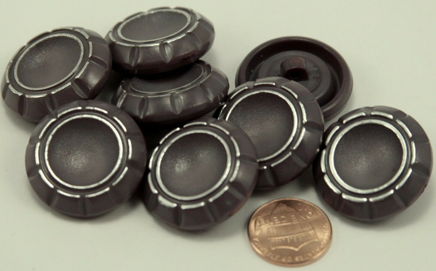 """8 Large Thick Grey With Hint of Purple & Silver Plastic Buttons 1 1/8"""" 28MM 6247"""