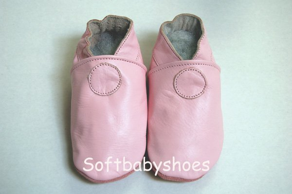 *BRAND NEW* Cute Classic Pink soft soled leather baby shoes