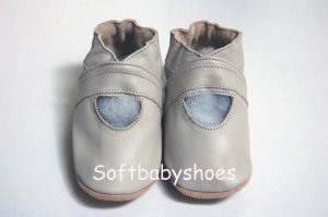 *BRAND NEW* Cute Classic Beige soft soled leather baby shoes