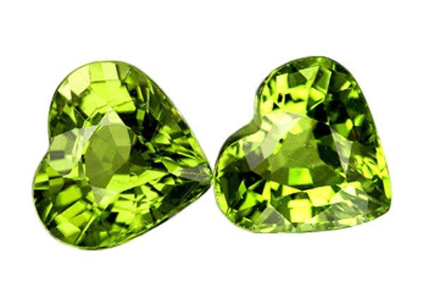 2.21 ct. Peridot, Green, IF Heart Faceted Natural Gemstones - 1 Pair