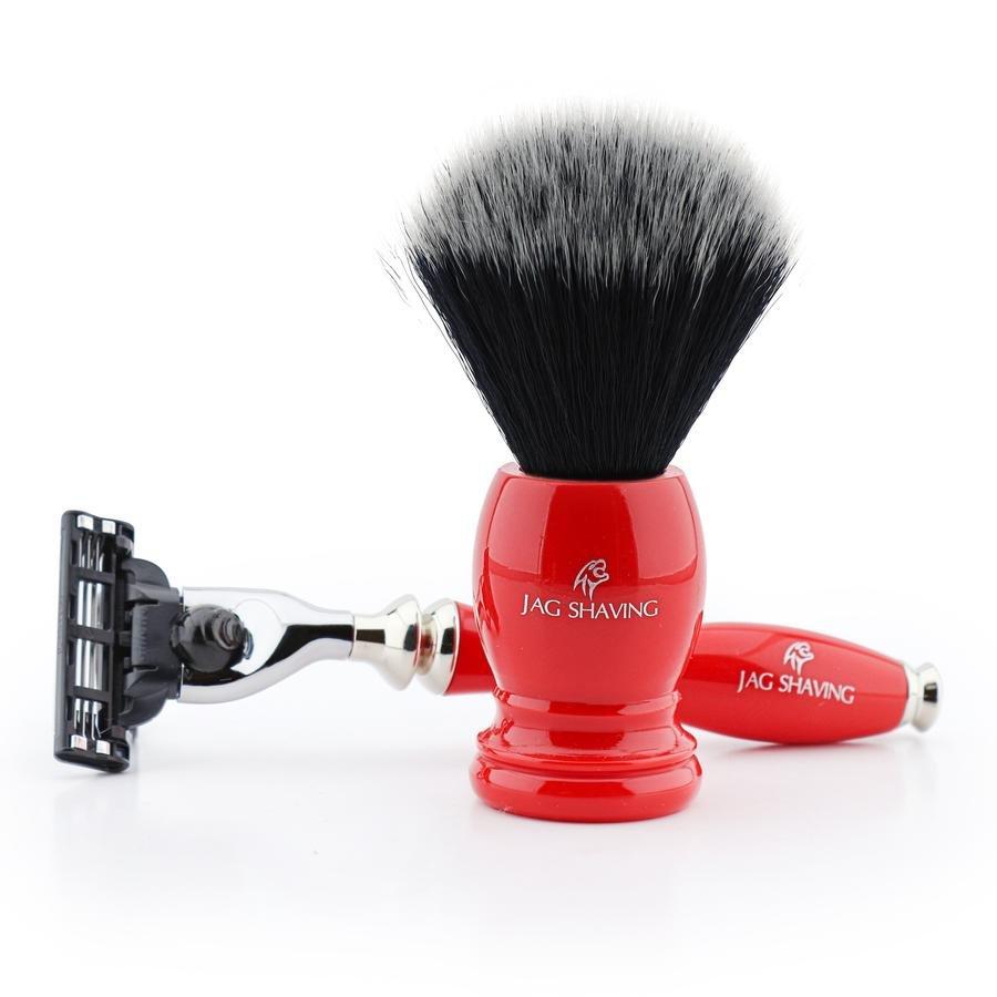 Perfect Men�s Shaving Gift Set With 3 Edge Razor & Black Synthetic Brush