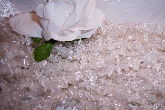 "CLEAR CRYSTAL QUARTZ Chips 36"" strand"