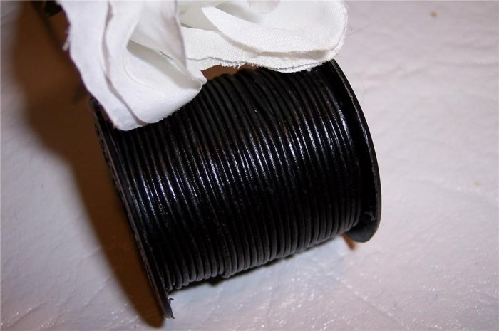 LEATHER CORD 1mm BLACK 5 yards