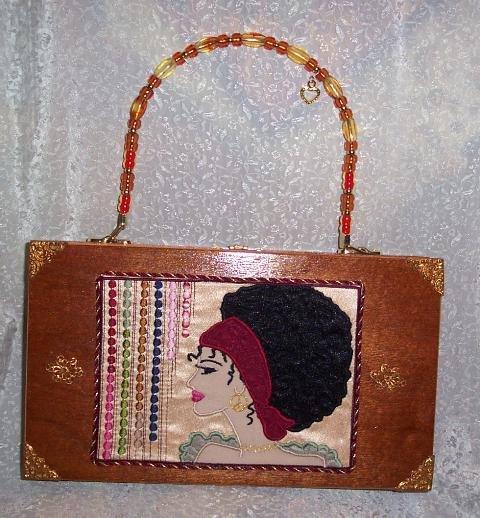 RETRO DESIGN SEVENTIES LADY ON A CIGAR BOX PURSE
