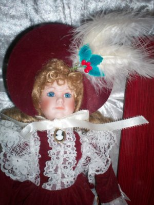 """DORATHY 16"""" PORCELAIN DYNASTY DOLL ~ COMPLETE WITH BOX"""