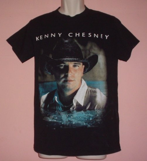 """Vintage Kenny Chesney 2001 tour, """"It Don't Happen Twice"""". tee shirt. Small"""