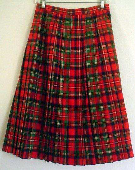 Pleated wool skirt Tartan plaid all wool Glenisla. Made in Scotland Size Junior 10 Waist 27 inches