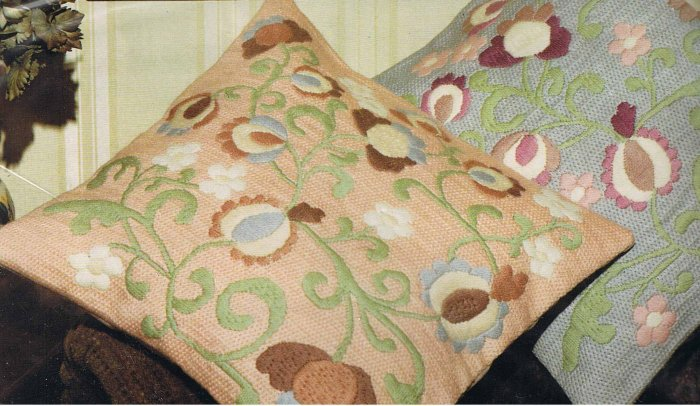 Twilley's of Stamford Needlecraft Kit Jacobean Pillow embroidery/needlepoint