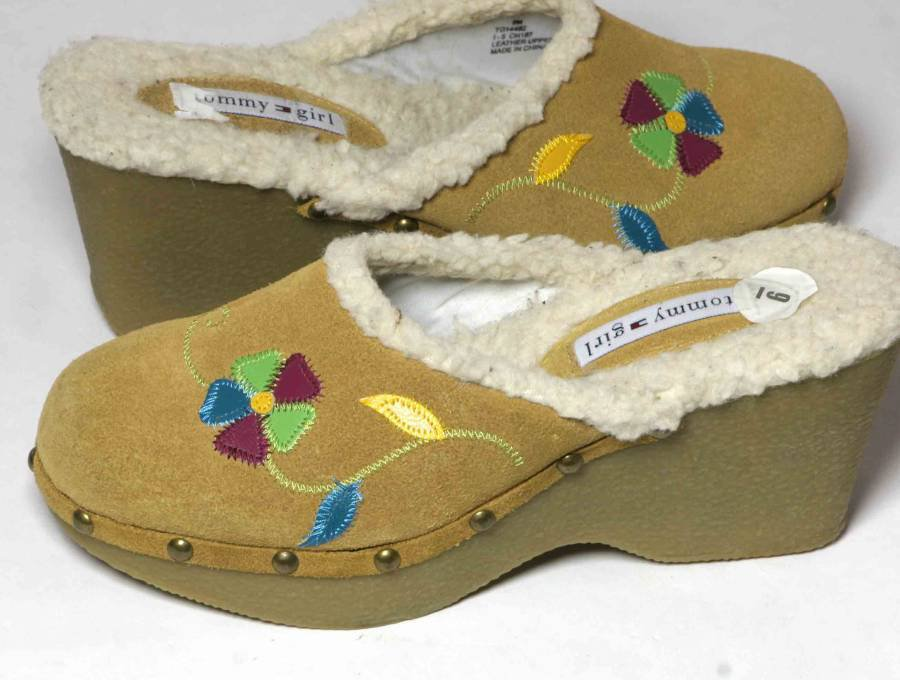 Tommy Hilfiger Clogs Shoes Decorated Floral Suede Women's Size 9M