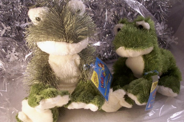 Set of 2 ~ Webkinz Full Size & Lil'Kinz Frog Duo Sealed Unused Codes
