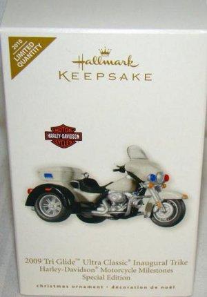 2010 Hallmark Harley Davidson 2009 Tri Glide Ultra Classic Motorcycle Milestones Ltd Ed New Ornament